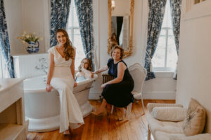 Girls Getting Ready, Photo Credit: The Hursts & Co.